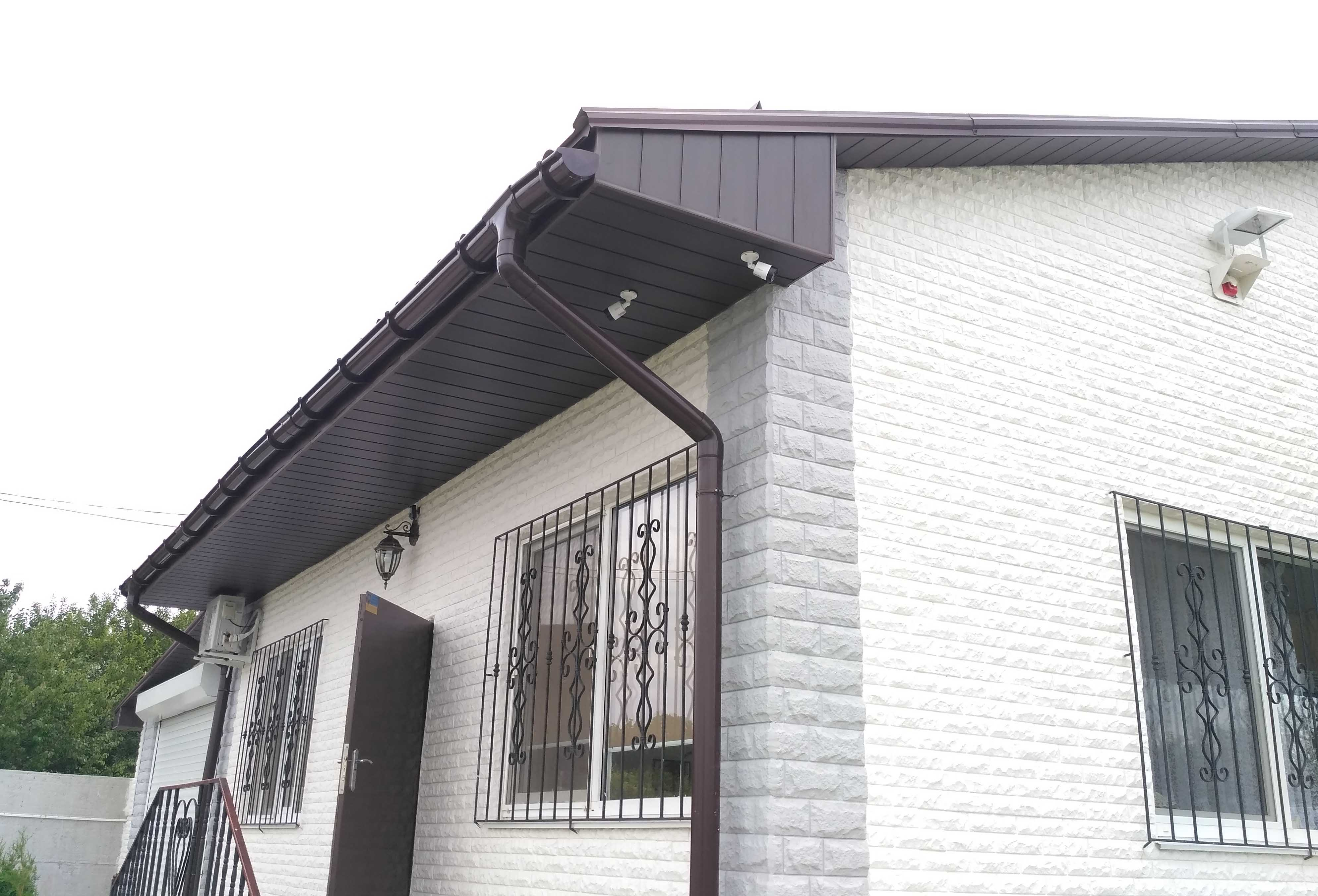Установка видеонаблюдения в загородном доме, на даче