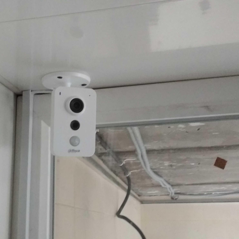 Видеокамера внутри гаража